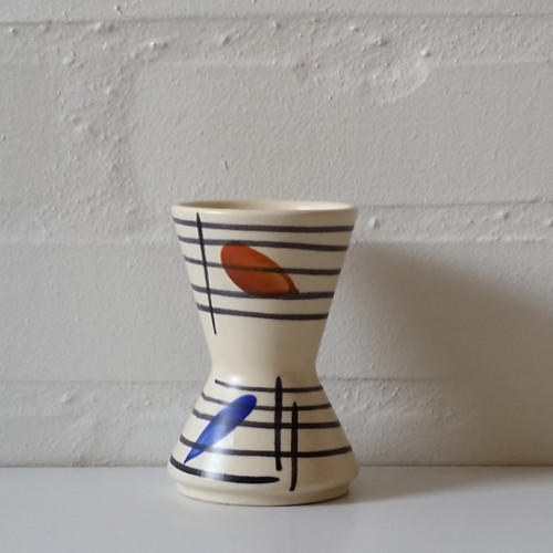 Vase med grafisk dekoration fra West Germany